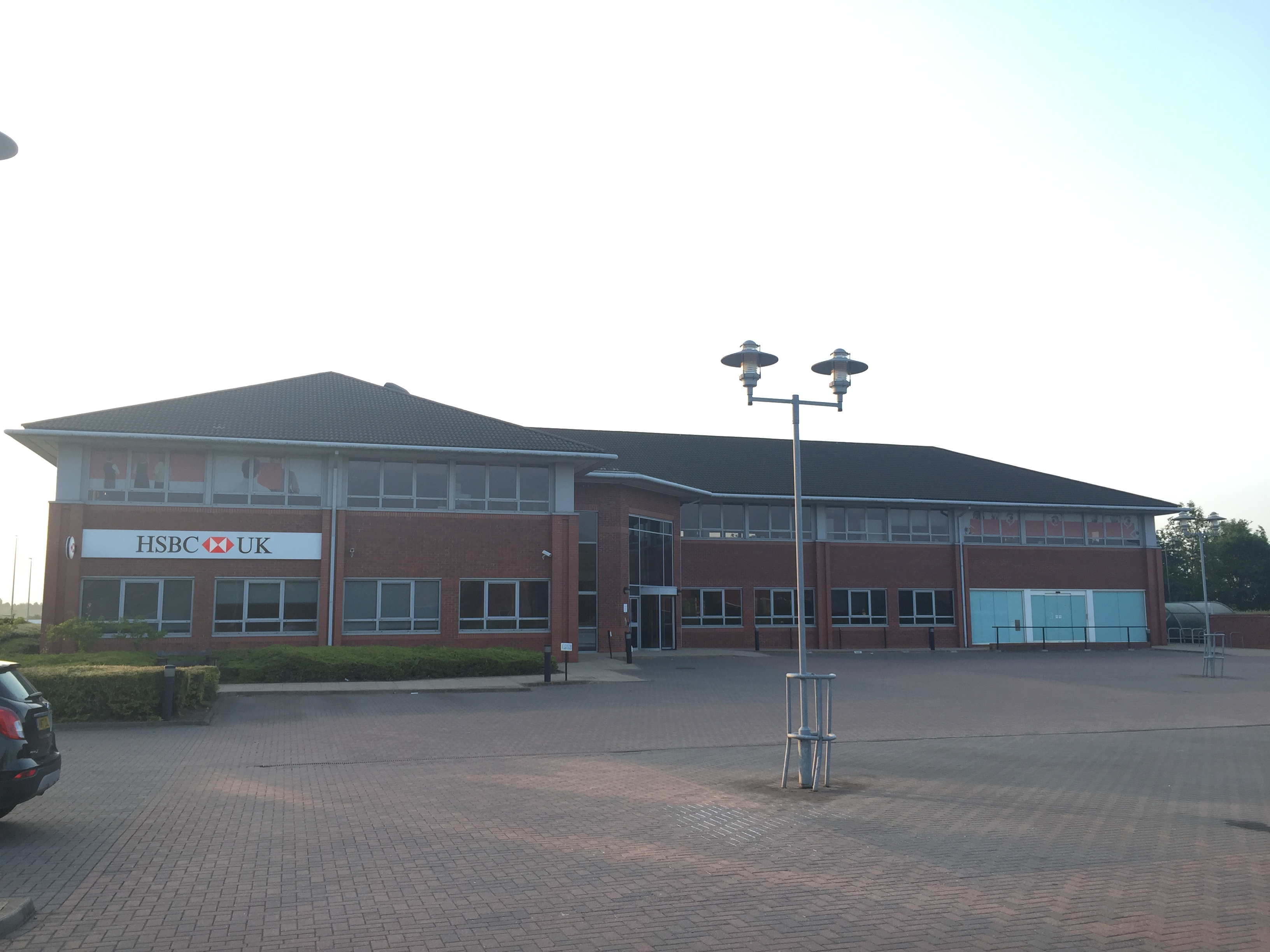 Phillips Sutton instructed to market former HSBC office on Grove Park, Leicester